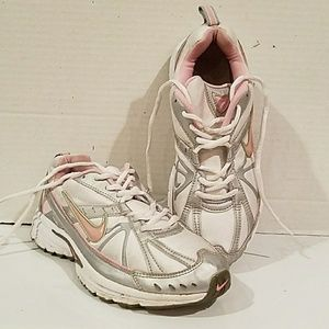 LADIES NIKE WHITE SNEAKERS IMPACT SUPPORT - 8